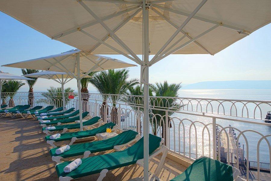 מלון קיסר פרמייר טבריה - מסעדה עם נוף לכנרת