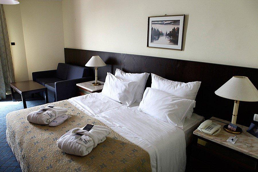 מלון קיסר פרמייר טבריה - חדרי המלון