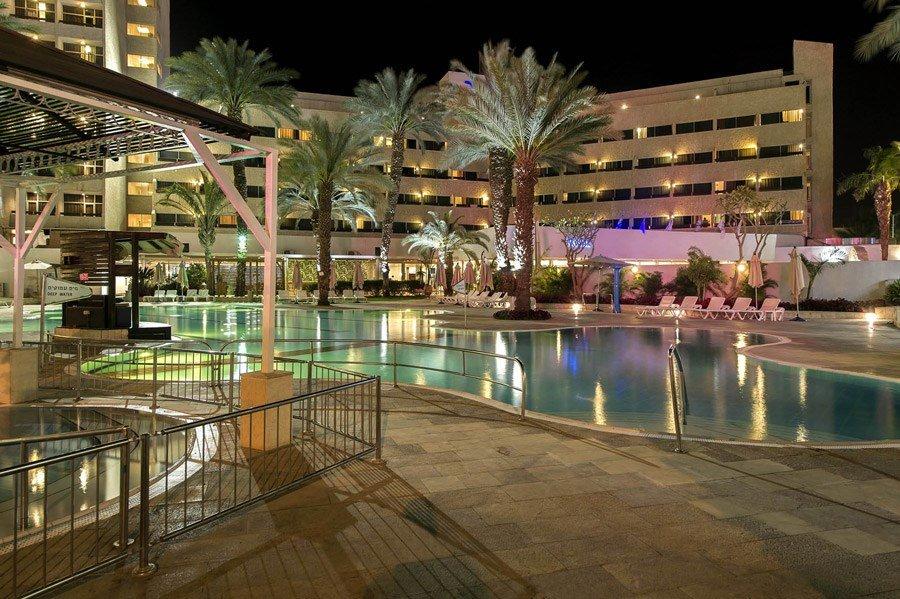מלון קיסר אילת - בריכה בלילה