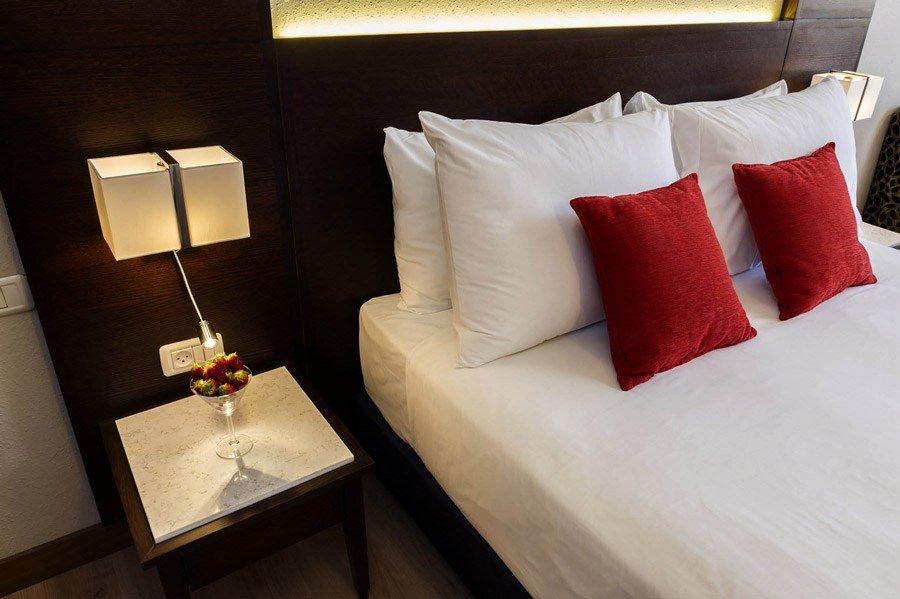 מלון קיסר אילת - מיטה
